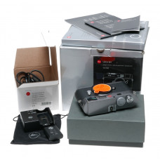 10705 M9 Leica full frame rangefinder digital camera used condition great sensor