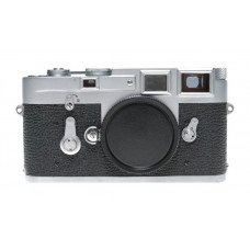 M3 Just serviced the classic 35mm film camera rangefinder chrome vintage body