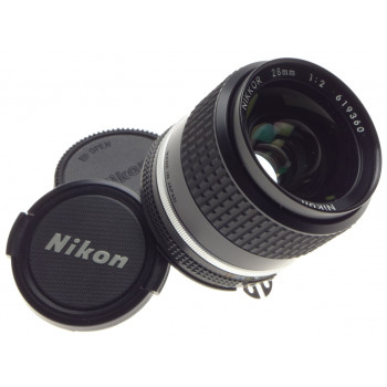 Ai-s Nikon 28mm 1:2 Nikkor 2/28mm caps mint condition fits new DF SLR DSLR lens
