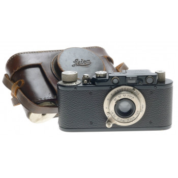 LEICA II (D) BLACK RANGEFINDER M39 SCREW MOUNT NICKLE LEITZ ELMAR 3.5 f=5cm LENS