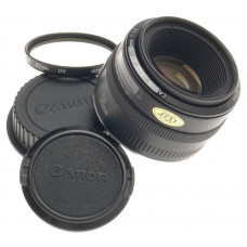 CANON CAMERA LENS EF MOUNT 50mm 1:1.8 UV FILTER 2.8/50mm CAPS CLEAN CONDITION