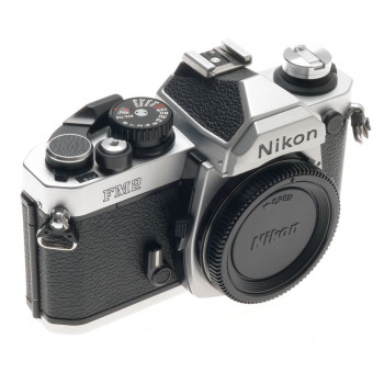 NIKON SLR 35mm CAMERA FILM BODY FM2 CHROME VERY CLEAN CONDITION PERFECT WORKING