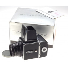 Hasselblad 500 C/M chrome with Zeiss Planar2.8 f=80mm black lens 500CM A16 Back