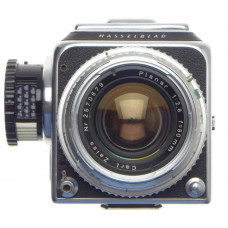 HASSELBLAD 500 C MEDIUM FORMAT FILM CAMERA CHROME ZEISS PLANAR 1:2.8/80mm METER