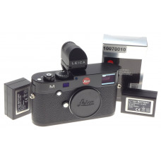 LEICA M240 MINT digital camera black body 10770 extra battery EVF 2 viewfinder